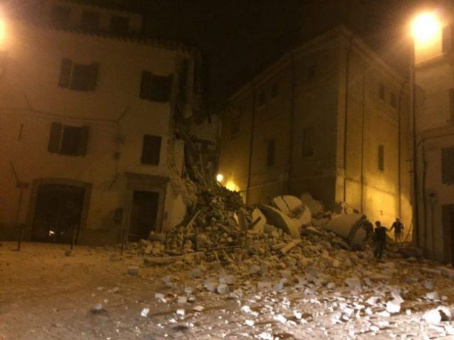 crollo_camerino_terremoto26-ottobre-650x488